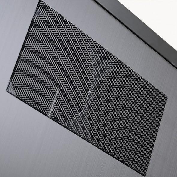 Lian Li PC-10N - Seitenöffnung 1