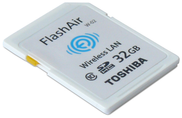Toshiba FlashAir Wireless SDHC 32GB - SD-Card quer