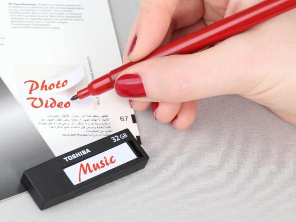 3DTester.de - Büro-USB-Sticks - Toshiba TransMemory Black - Etiketten