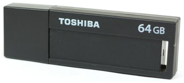 3DTester.de - Büro-USB-Sticks - Toshiba TransMemory Black - geschlossen